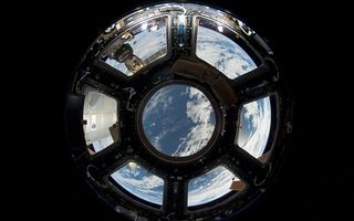 Blik vanuit het ISS op de aarde. beeld NASA