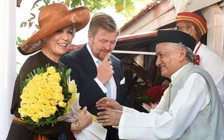 Koning Willem-Alexander en koningin Máxima donderdagochtend in Mumbai. beeld AFP
