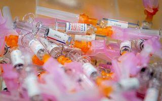 """""""Medische middelen lijken een uitkomst, maar ze versterken ook onze angst."""" beeld ANP, Sem van der Wal"""