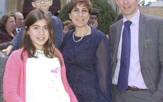 Wilbert en Rima met hun kinderen Christina en Pieter. beeld Fam. Van Saane