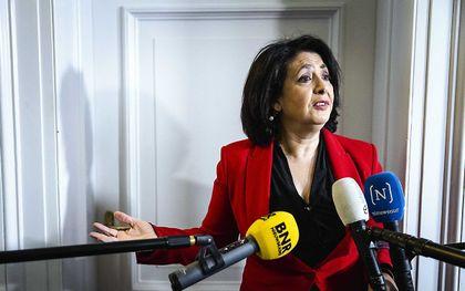 Kamervoorzitter Khadija Arib (PvdA) reageert in de Tweede Kamer op het vertrek van Lodewijk Asscher als lijsttrekker van de PvdA. beeld ANP, Sem van der Wal