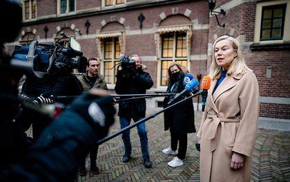 Minister Sigrid Kaag voor Buitenlandse Handel en Ontwikkelingssamenwerking (D66) voor de ministerraad op het Binnenhof. De ministers komen bijeen om zich te beraadslagen over de politieke gevolgen van de toeslagenaffaire. beeld ANP BART MAAT