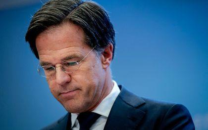 Demissionair premier Mark Rutte tijdens de persconferentie waarin hij de avondklok presenteerde. beeld ANP, Bart Maat