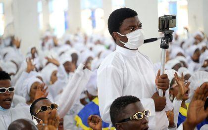 Christenen in de Nigeriaanse hoofdstad Lagos. beeld EPA, Akindtunde Akinleye