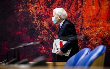 Informateur Herman Tjeenk Willink (PvdA) komt aan voor het debat in de Tweede Kamer over het eindverslag van de informateur. beeld ANP, REMKO DE WAAL