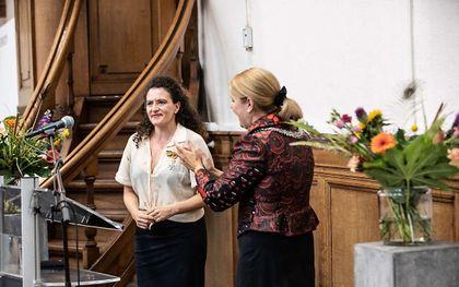 Liza Ferschtman (l.) en burgemeester Van Bijsterveldt. beeld Melle Meivogel