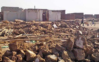 Een in 2013 door de Sudanese overheid verwoeste presbyteriaanse kerk in de omgeving van Khartoem. beeld Morning Star News