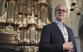 Harm Hoeve concerteert graag op het beroemde Hinszorgel van de Martinikerk in Bolsward. beeld Sjaak Verboom