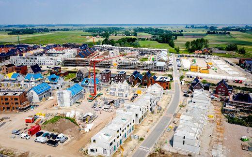 Dronefoto van een nieuwbouwproject in Vathorst. beeld ANP, Sem van der Wal