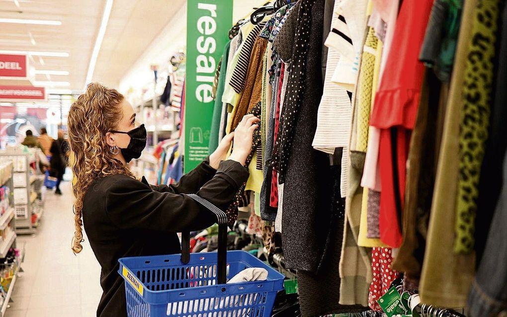 Zeeman gaat ook tweedehands kleding verkopen.beeld Zeeman