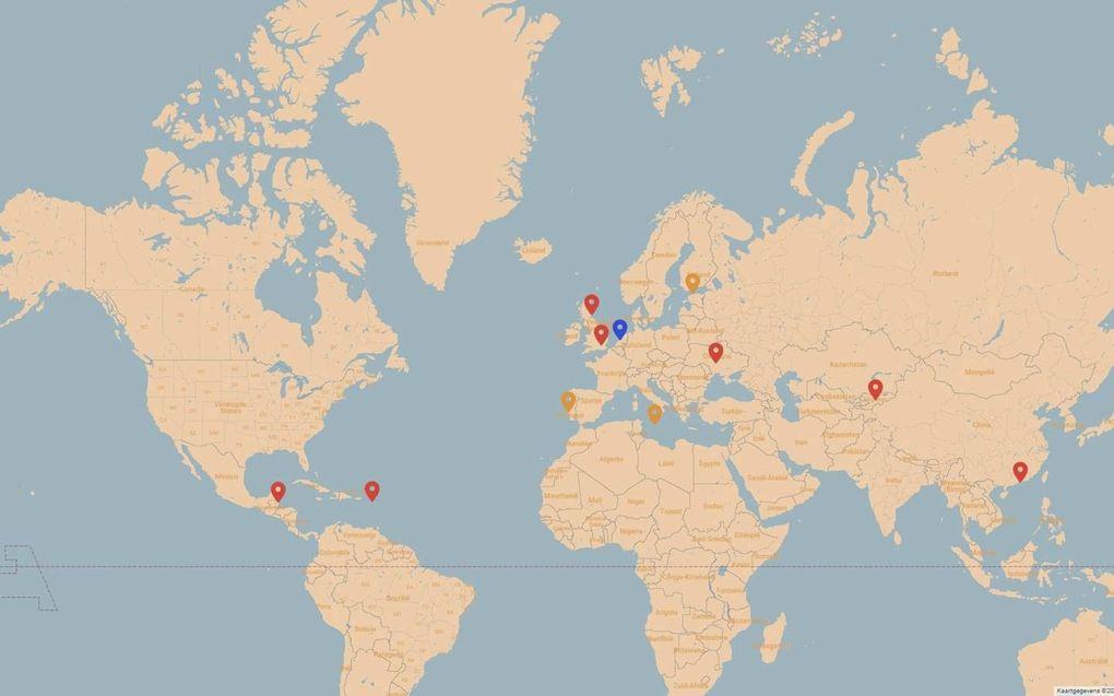 Locaties waar sporen van de onlinefraudeurs naartoe verwijzen. In het rood de sporen van Hyper Sls Ltd./Sable Service LP, in het oranje de sporen van Ricardo Jose Santos Diogo.  beeld Pieter Beens