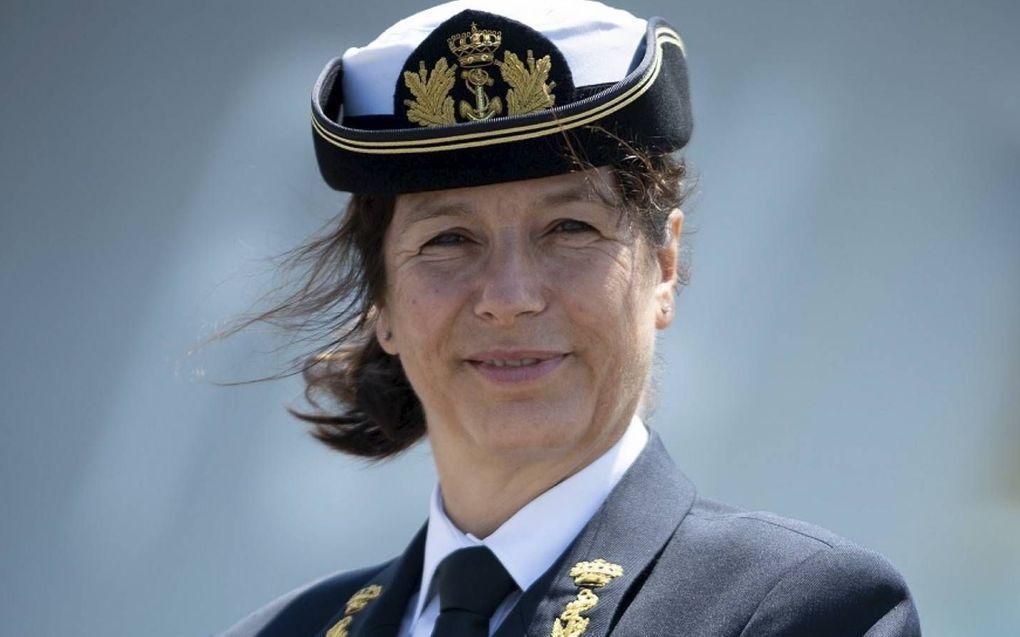 Jeanette Morang, de eerste vrouwelijke commandant van een Nederlands marineschip, stond op zee haar mannetje.beeld Koninklijke Marine