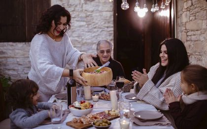 Een Italiaans gezin zoals de regering-Draghi er veel meer van wil zien: met kinderen.beeld Getty Images