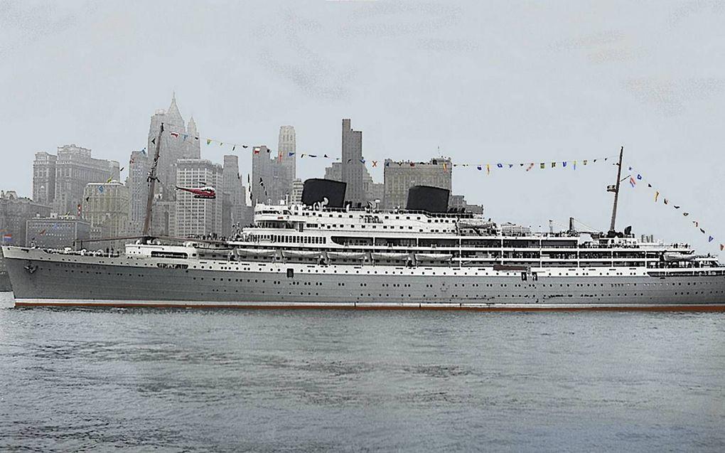 De Willem Ruys, het grootste passagiersschip dat ooit door de Vlissingse werf De Schelde werd gebouwd.beeld collectie Ed van Lierde