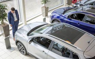 Van autoverkoop naar bouwmarkt.beeld ANP, Lex van Lieshout