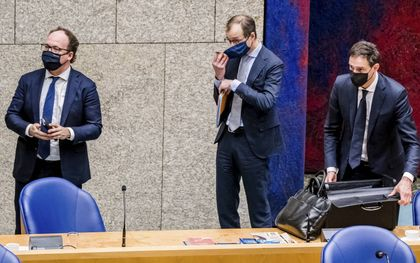 De ministers Hoekstra (r.), Wiebes (m.) en Koolmees. beeld ANP, Bart Maat