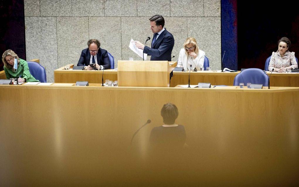 Premier Rutte in debat met PvdA-leider Ploumen over de openbaar gemaakte notulen. beeld ANP, Sem van der Wal
