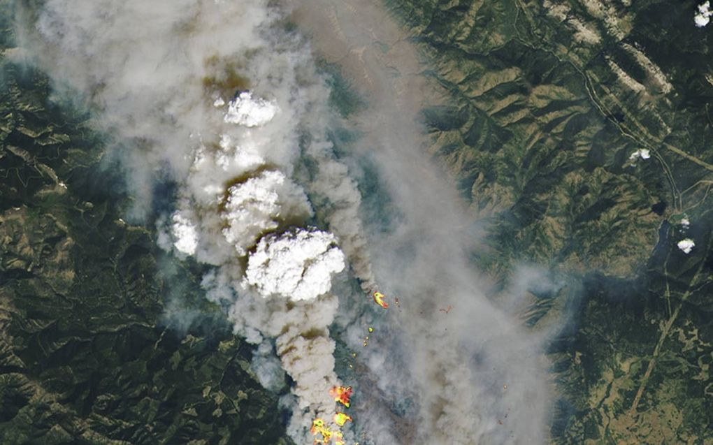 Bosbranden in Canada. beeld NASA