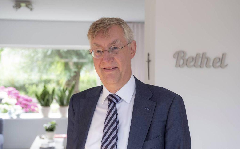 21:04 Prof. De Vries: Relatie tussen supermens en eindtijd is duidelijk - Reformatorisch Dagblad