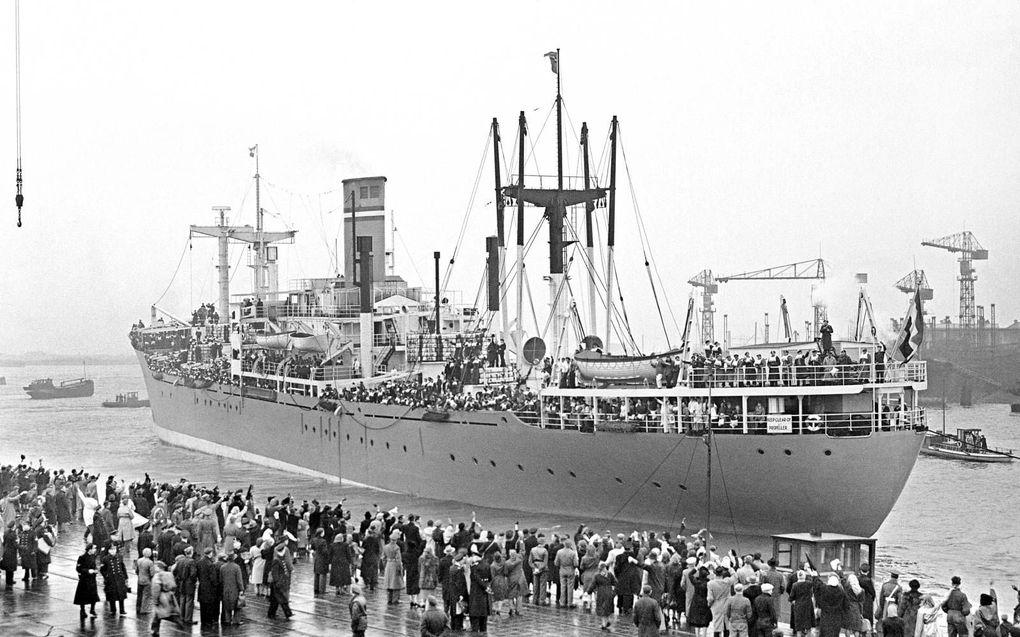 Hr.Ms. Zuiderkruis, het troepentransportschip waarmee niet-gevaccineerde militairen in 1950 vanuit Nederlands-Indië naar huis konden.beeld ANP, G. van der Werff