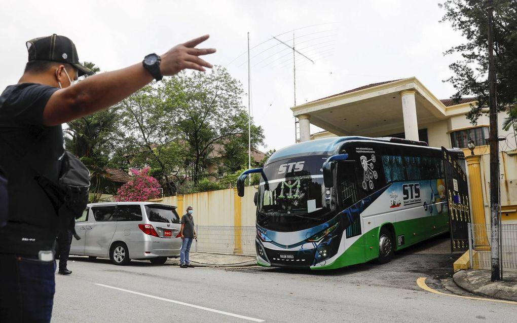 Medewerkers verlieten afgelopen weekend de Noord-Koreaanse ambassade in Kuala Lumpur, Maleisië. Pyongyang brak alle betrekkingen met het land.beeld EPA, Fazry Ismail