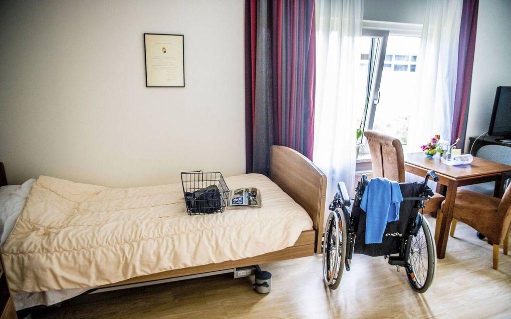 """Slecht een beperkt deel van het zorggeld komt ten goede aan de patiënt, betoogt Marjet Veldhuis, auteur van """"Heilige Zorghuisjes"""".beeld ANP, Robin Utrecht"""
