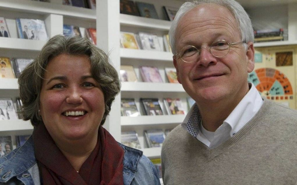 Boekhandelaar Johan Brokking en zijn vrouw. beeld Johan Brokking