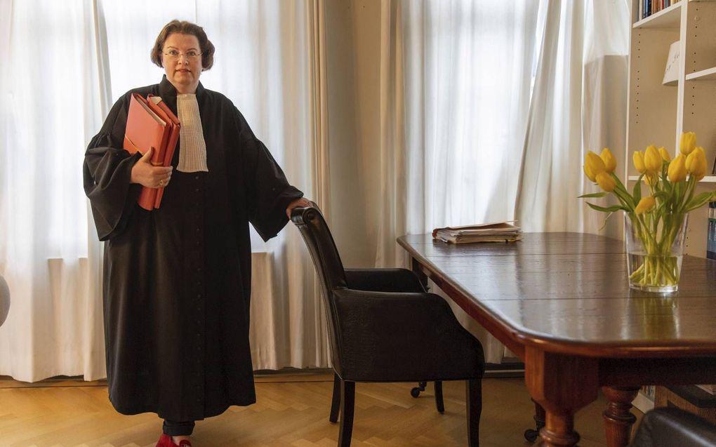 """Advocaat mr. Lineke Blijdorp staat meer dan honderd bekeerlingen bij. """"Het zou grote winst zijn als de IND in bekeringszaken met deskundigen zou werken.""""beeld RD, Henk Visscher"""