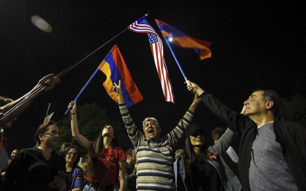 Vreugde om de Amerikaanse erkenning van de Armeense genocide in Yerevan, Armenië.beeld AFP, Karen Minasyan