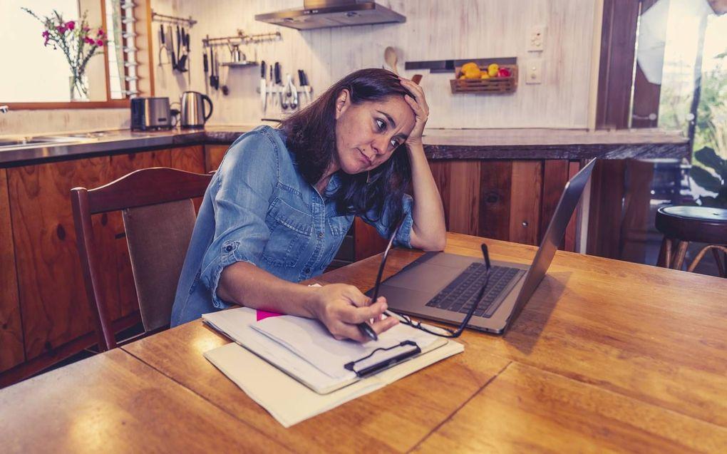 Jongeren hebben geen netwerk om bij thuiswerken op terug te vallen.beeld iStock