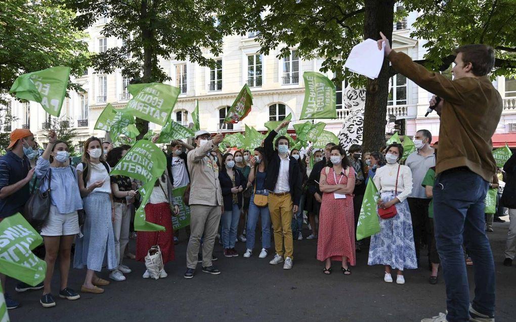 Protest tegen het wetsontwerp over bio-ethiek, maandag in Parijs.beeld AFP, Bertrand Guay