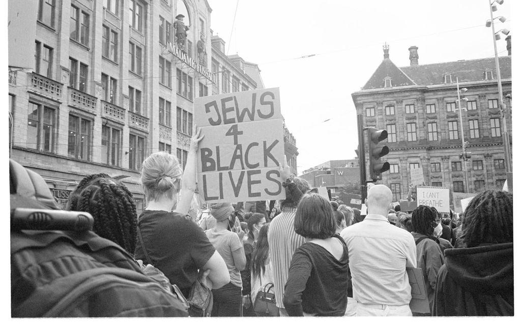 Demonstratie van de Black Lives Matter-beweging op de Dam in Amsterdam in 2020.beeld JCK, Nienke Fonk