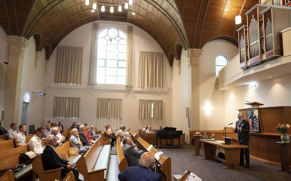 """In de Apeldoornse Barnabaskerk vond woensdag het symposium """"Passie voor Psalmzang"""" plaats, naar aanleiding van het boek van dr. Jaco van der Knijff over het kerkboek van 1773.beeld RD, Anton Dommerholt"""