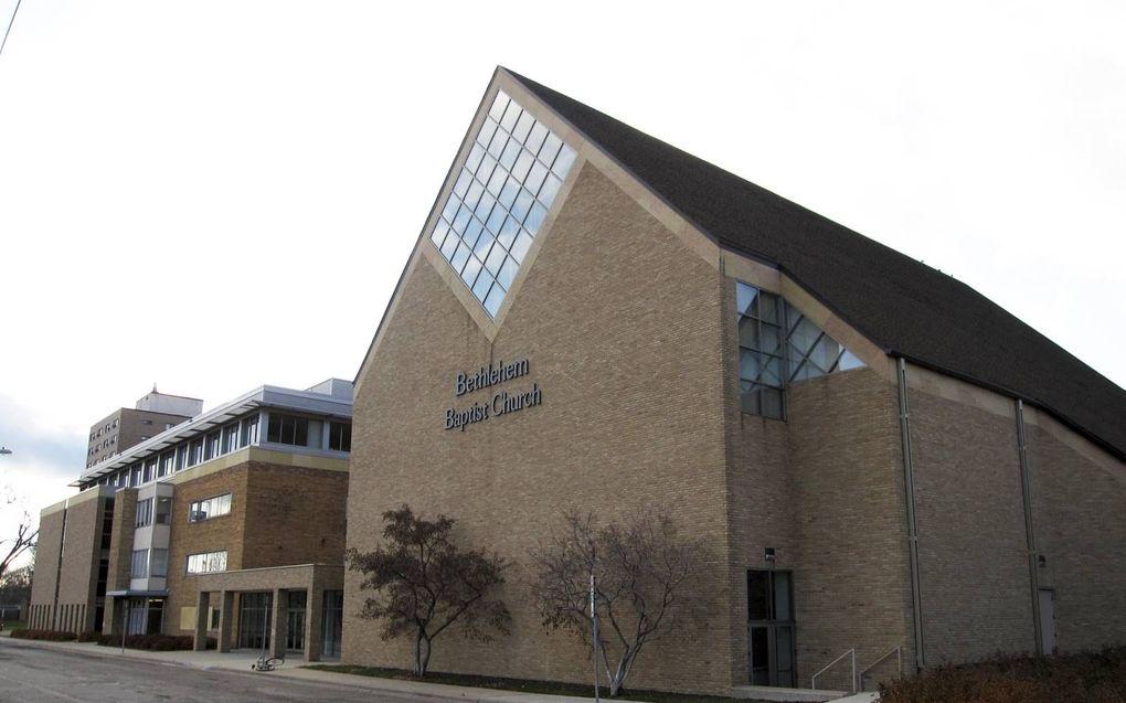 Het kerkgebouw van Bethlehem Baptist Church in Minneapolis. Tot 2012 gaf John Piper leiding aan deze gemeente, die zo'n 4600 leden telt.