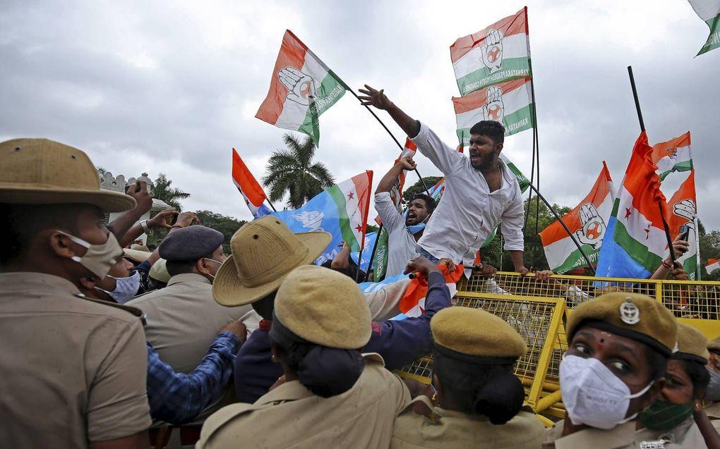 Protest tegen Pegasus in India.beeld EPA, Jagadeesh NV