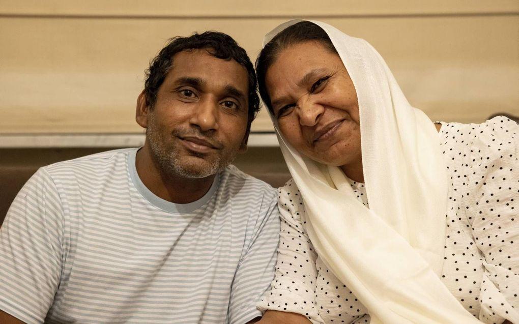 Het christelijke echtpaar Shafqat en Shagufta vluchtte donderdag naar Europa. Ze zaten jarenlang in een Pakistaanse cel.beeld HVC