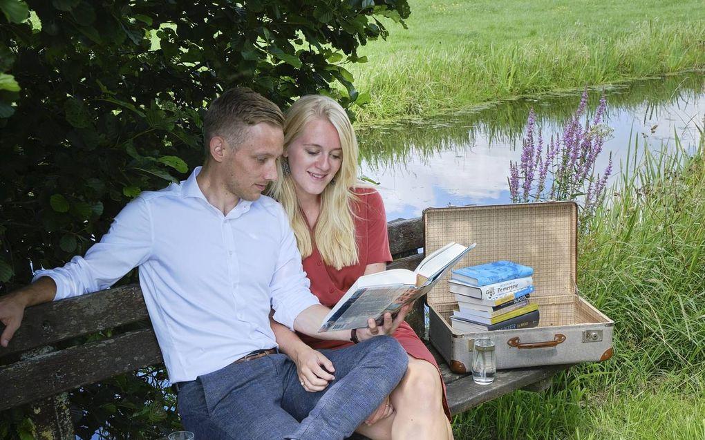 Aart Jongejan en Hanna Kater lezen graag, en liefst samen. beeld Sjaak Verboom