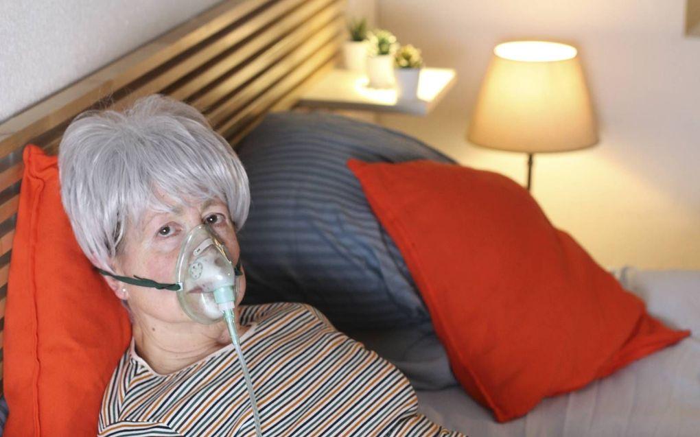 Meerdere ziekenhuizen zijn gestopt met thuismonitoring van Covidpatiënten die eigenlijk ziekenhuiszorg nodig hebben.beeld iStock