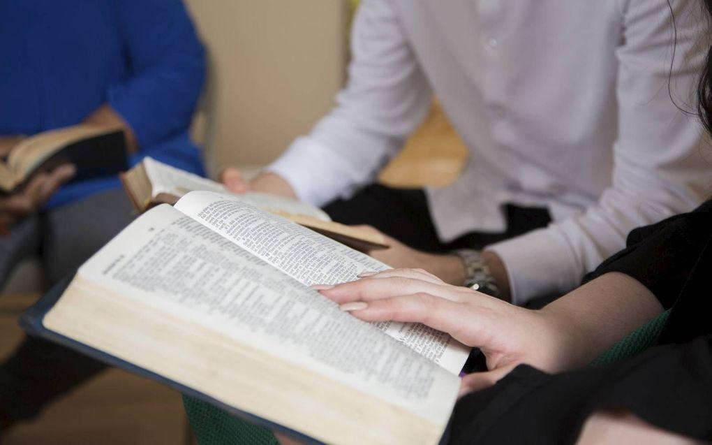 """""""Expliciete aandacht voor de invloed van cultuur op kerken en lezers werkt corrigerend op methoden van Bijbeluitleg die de neiging hebben het gelijk te bevestigen."""" beeld iStock"""