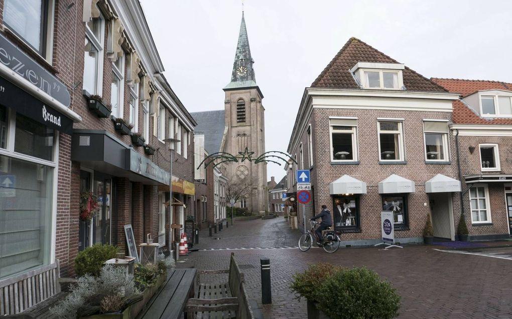 Van de circa 1100 zitplaatsen in Grote Kerk te Genemuiden waren er de afgelopen weken 350 tot 400 per dienst bezet.beeld RD, Anton Dommerholt