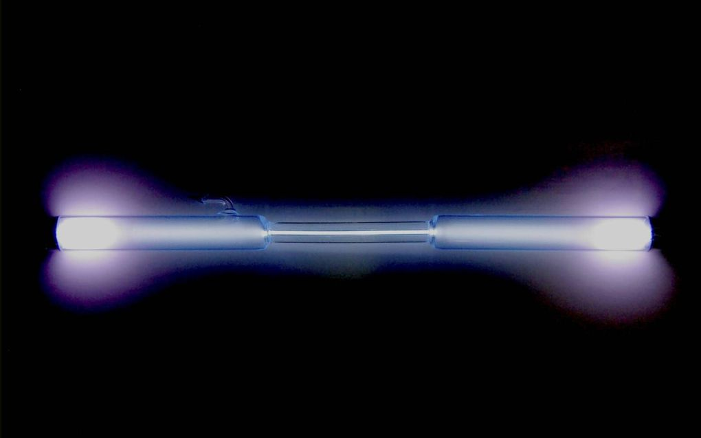Het element xenon is bekend van de felle gasontladingslampen. beeld Wikimedia, Alchemist-hp