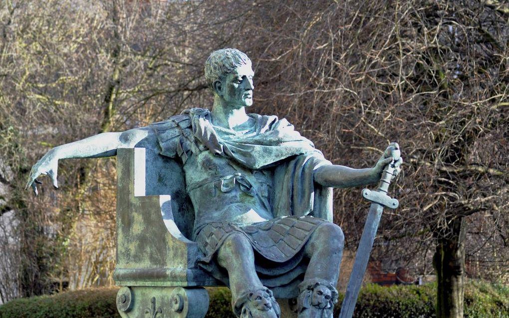 Standbeeld van Constantijn de Grote in het Engelse York. beeld Wikipedia