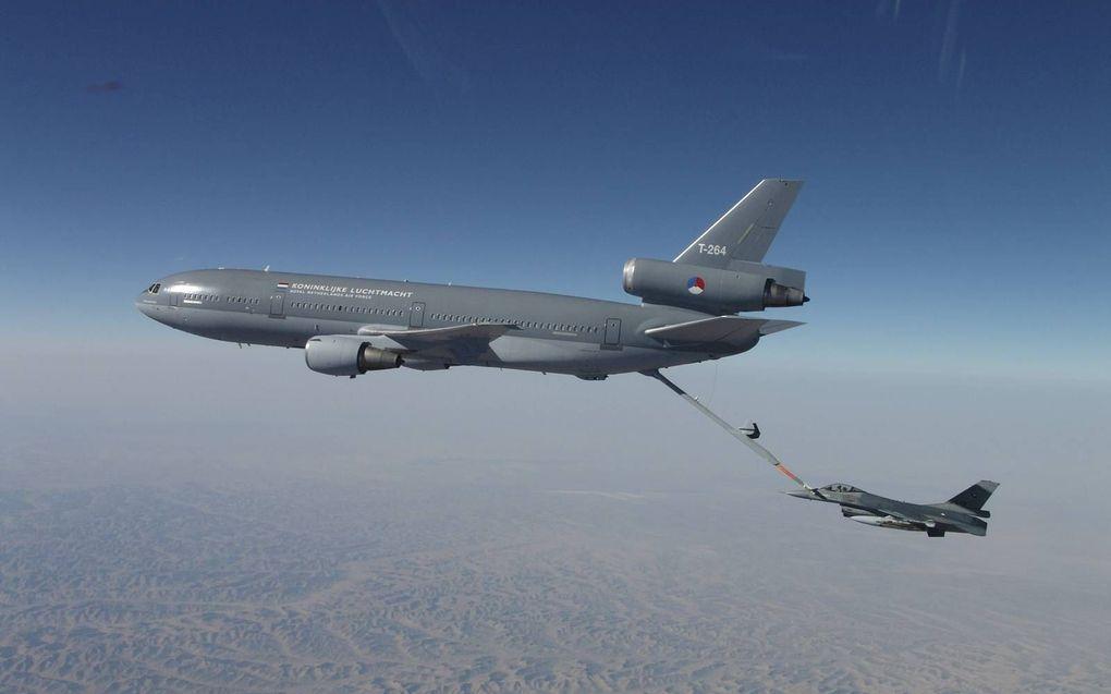 Defensie verkoopt de KDC-10, een vliegend tankstation. De T-264 Prins Bernhard vliegt maandag naar z'n nieuwe eigenaar, een civiel bedrijf in de VS. beeld Defensie.