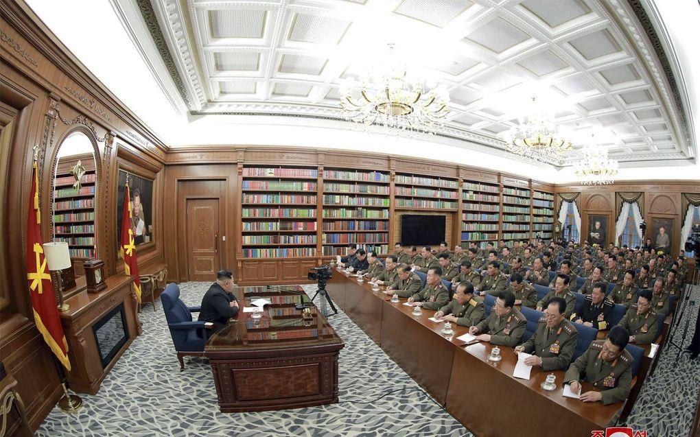 De Noord-Koreaanse leider Kim Jong-un tijdens een vergadering van de militaire commissie van de Communistische Partij, dit weekend.beeld AFP, KCNA