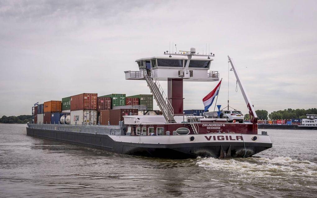 Volgens Dominic Schrijer, voorzitter van BLN-Schuttevaer, wordt de rol van de binnenvaart op logistiekgebied steeds belangrijker.beeld ANP, Lex van Lieshout