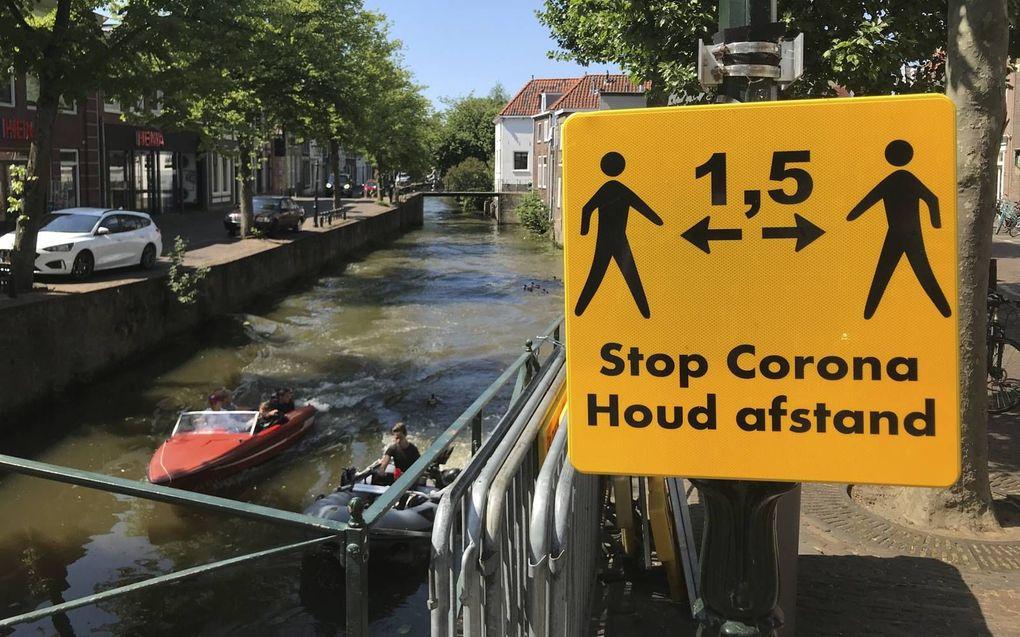 In supermarkten bewaart lang niet iedereen de 1,5 meter afstand, klinkt het in Oudewater. Het historische stadje werd zwaar getroffen door het coronavirus. beeld RD