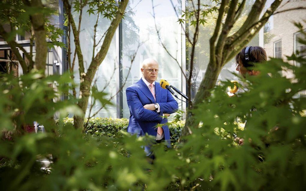 """Minister Grapperhaus van Eredienst: """"Voor zover ik weet, zijn handhavers nooit naar binnen gegaan.""""beeld ANP, Robin van Lonkhuijsen"""