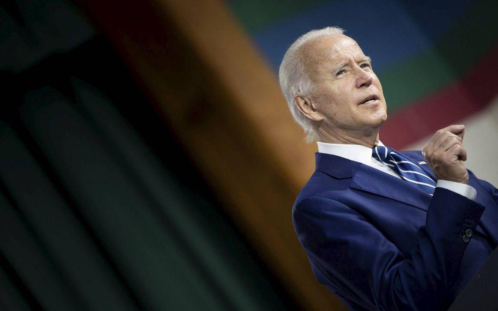 Joe Biden heeft in de peilingen een comfortabele voorsprong op zijn Republikeinse rivaal president Donald Trump.beeld AFP, Brendan Smialowski
