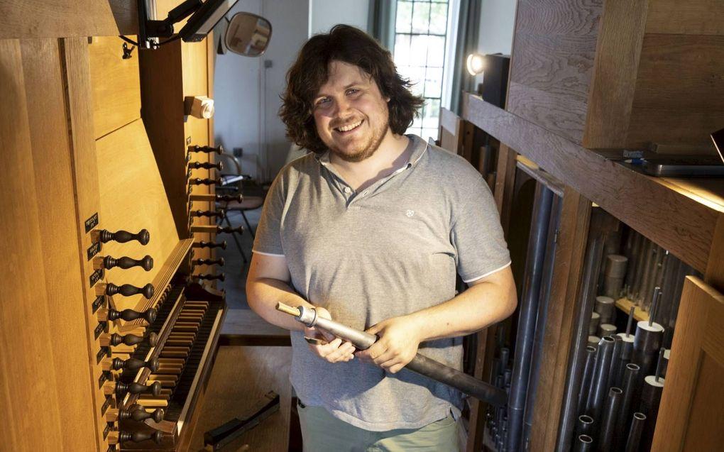 """""""Dat ik even in de schijnwerpers sta dankzij de overname van orgelmaker Mense Ruiter voelt best ongemakkelijk"""", zegt Sander Booij. Ik werk liever op de achtergrond aan de klankvorming van orgels."""" beeld RD, Anton Dommerholt"""