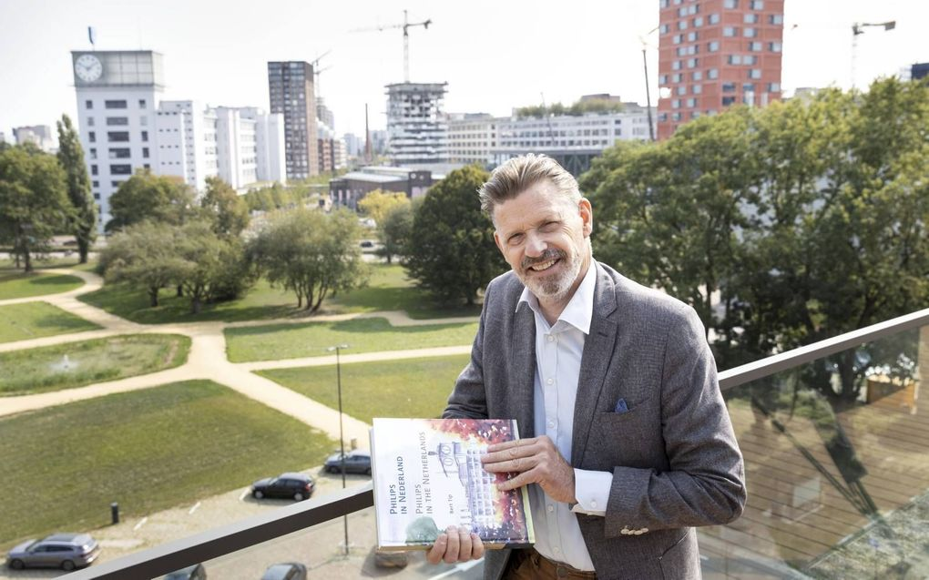 """Bert Tip: """"De industriële voetafdruk van Philips in Nederland is enorm."""" beeld Anton Dommerholt"""